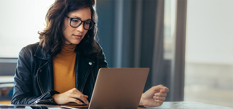 student studying online for phd in counseling psychology